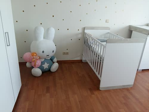 De babykamer enkele weken voor Ellis geboren werd. Zie je hoe netjes alles is?